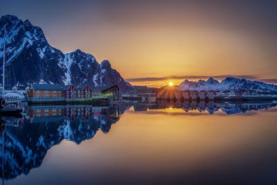 SVolvaer Sunrise
