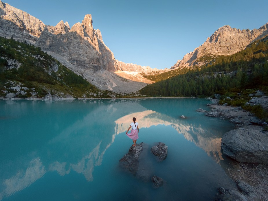First light at the beautiful Lago di Sorapis in South Tyrol, Italy ????????