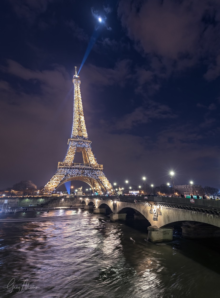 Eiffel Tower Light Show 1600px by gregmetrophotography - Paris Photo Contest