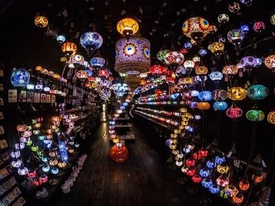 1001 Arabian Lights