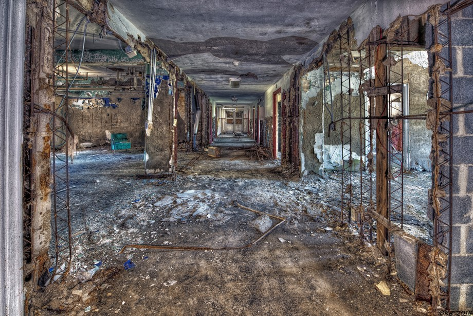 © Richard Bean 2018 The Hallway Stays Silent Evermore Captured May 12, 2018 1:36 PM Abandoned Sa...