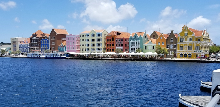 It was our last day on the island of Curacao and we had not yet seen their beautiful capital city...