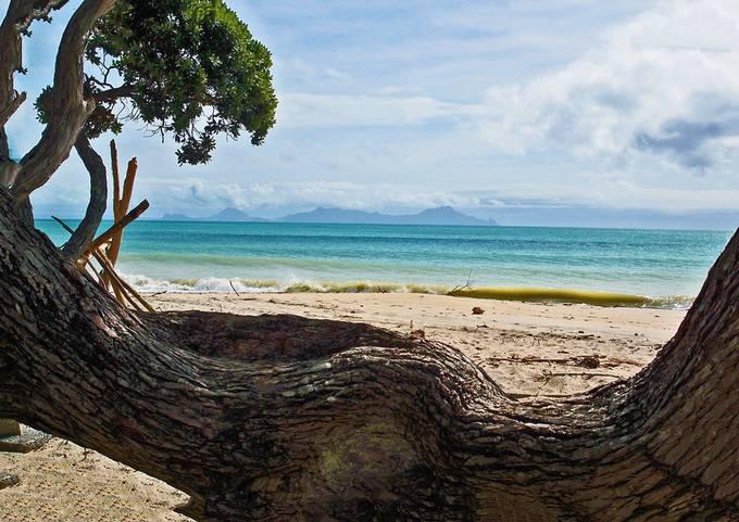 Bay of Islands - deserted beach North Island New Zealand