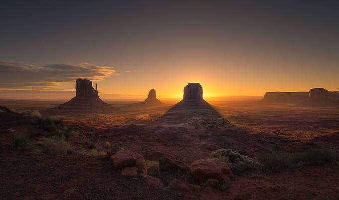 Sunrise view at Monument Valley, Arizona, USA by Danielvg - The Natural Planet Photo Contest