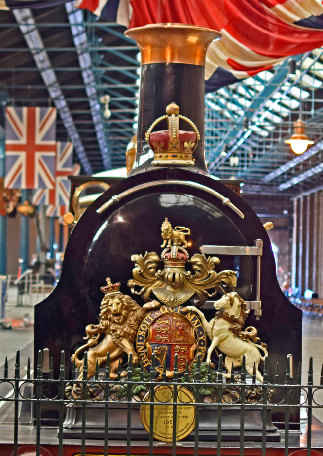 Royal crest on front of Gladstone Queen Victoria's Royal Train.