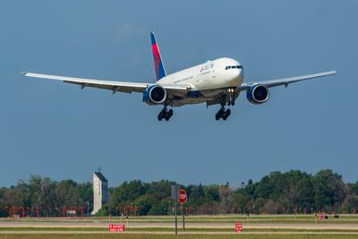 Delta Air Lines Boeing 777-232(ER)(N861DA)