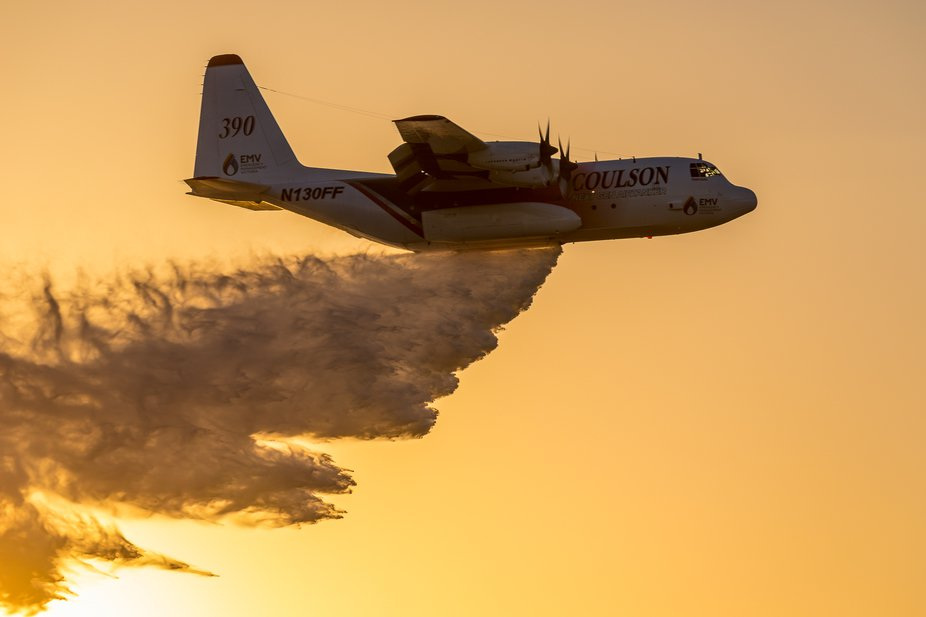 Hercules water bomber doing a demo run at the 2017 Australian International Airshow
