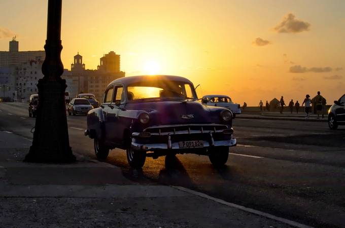 Habana Heat by Nilesh_P - Sunset And The City Photo Contest