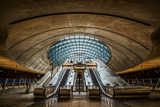 The Machine by Pete_Rowbottom - Public Transport Hubs Photo Contest