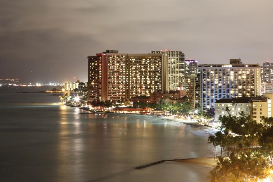 Oahu, Hawaii Honolulu, Waikiki Beach May 2018 Photographer - Ed DeMaris