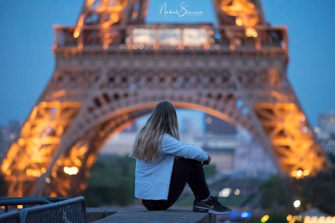 Paris - alone by nakul - Paris Photo Contest