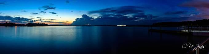 Sunrise on Bushy Park boat landing