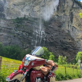 My Indian Roadmaster and the famous Staubbach waterfall in Lauterbrunnen.