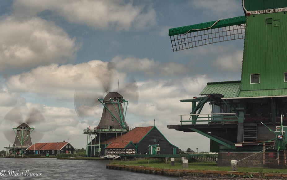 Zaanse schans is close to my Home . It is fun to walk around here , spacialy when there are cloud...