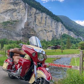 Here is one more from my Indian Roadmaster and my hometown #lauterbrunnen in the #lauterbrunnenvalley with the famous #staubbach #staubbachfall i...