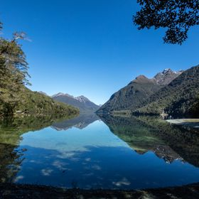 On our way to Milford Sound we stopped at this beautiful location!