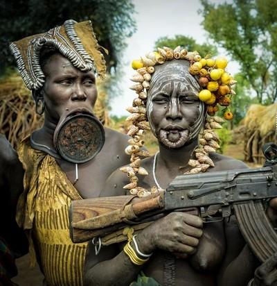 Kampfbereite Frauen