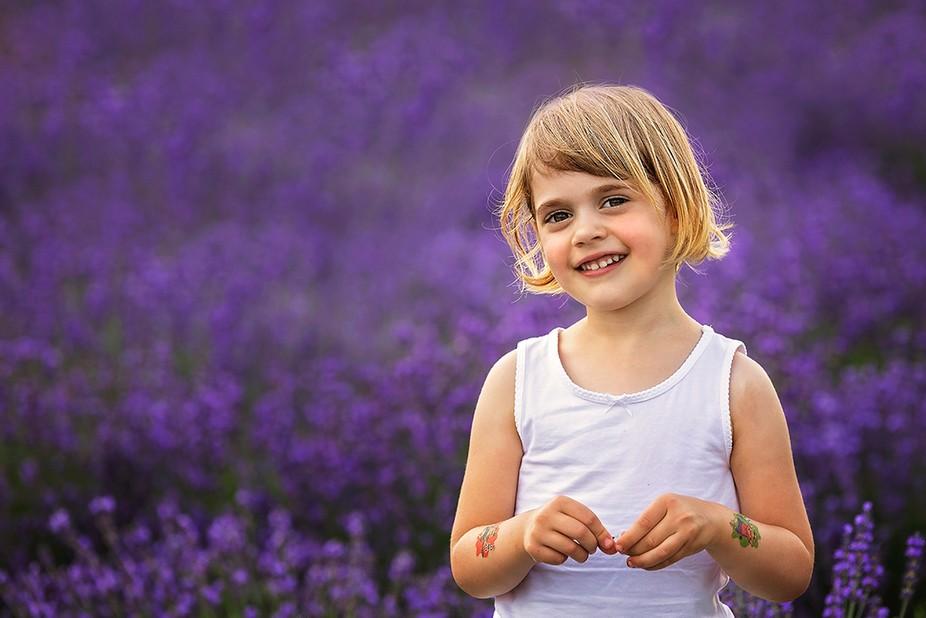 outdoor childportrait - Lilla