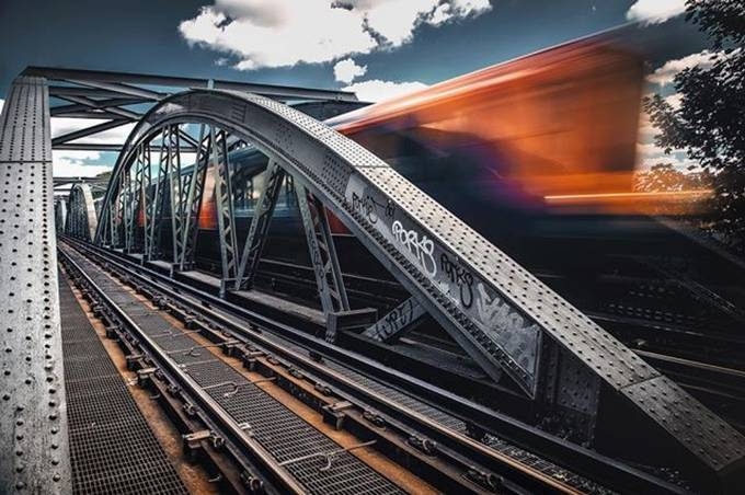 I am getting a bit obsessed with these #bridge #lines! Don't you think????? . . #train  #London #visitlondon  #timeoutlondon #italianroamers  #ukshooters  #moodygrams  #barnesbridge  #london_enthusiast  #agameoftones #visualsoflife #moodygrams #igtones5k  by davidemanciomancinelli - Fast Photo Contest