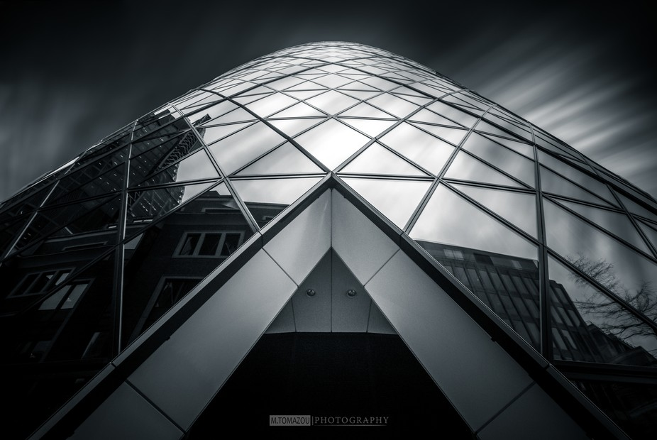 Found this interesting angle to shoot the Gherkin tower