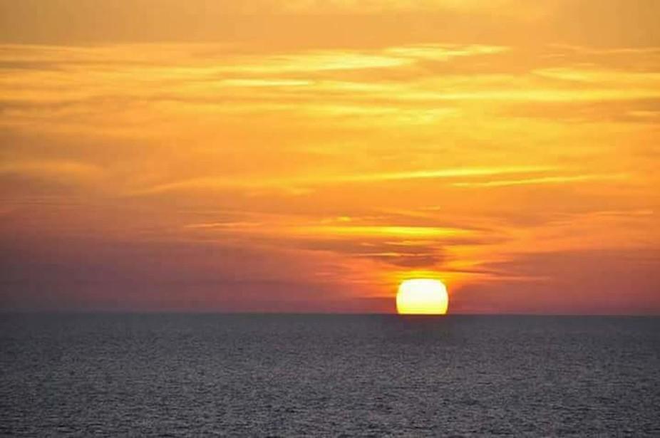 Sonnenuntergang über dem westlichen Mittelmeer