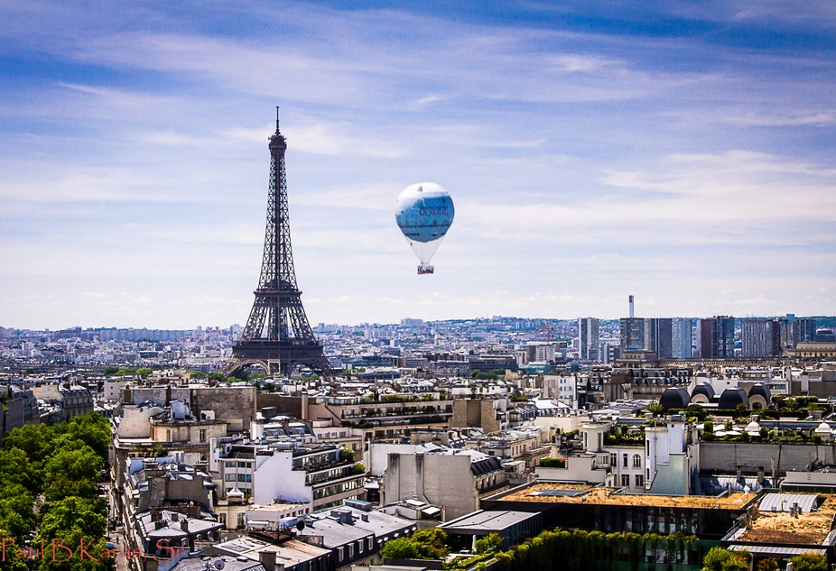 Balloon over Paris