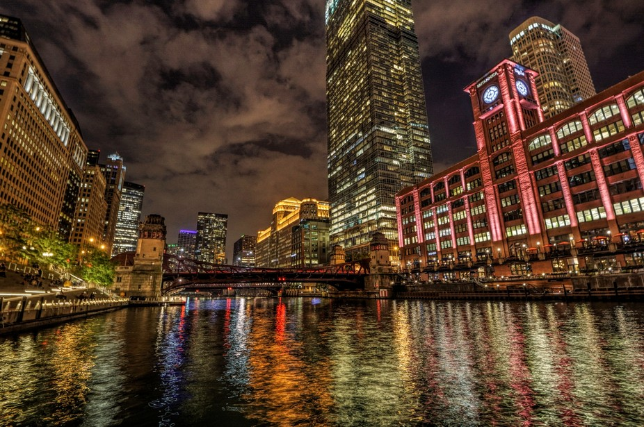 Night shot along the Chicago River