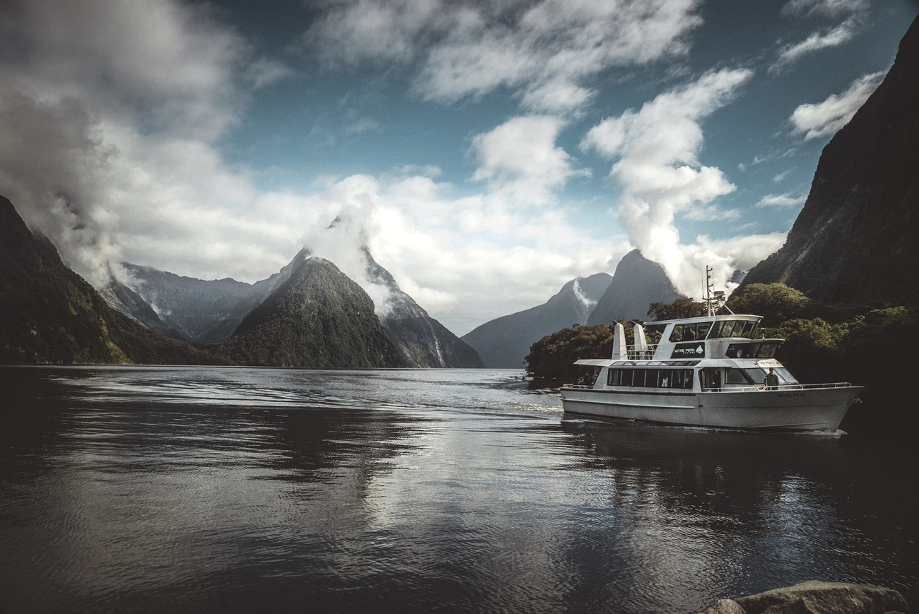 Taking the boat is really what you need to to to discover Milford sound and dive into the wilderness and magic of it !