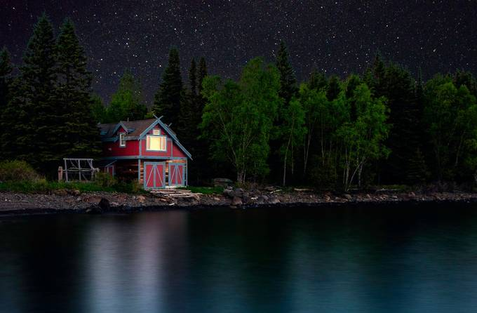 Moonless Sky.  by Dkadams - Isolated Cabins Photo Contest