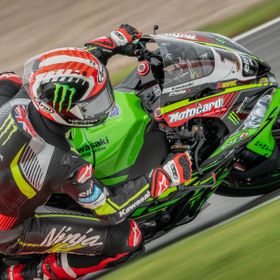 Johnathan Rea on the Kawasaki Racing ZX-10RR at donington Park for the British round of the World SBK Championship 2018.