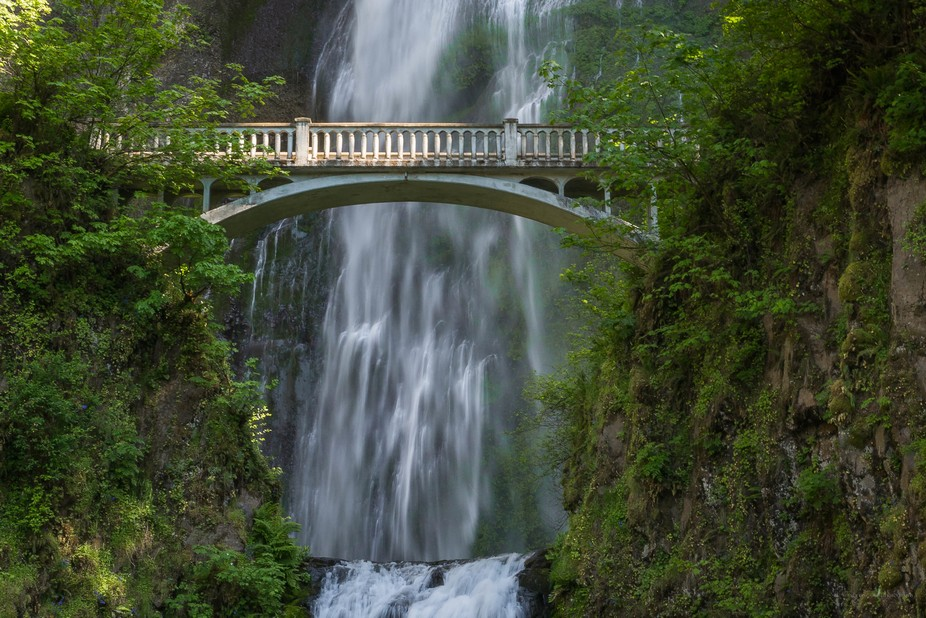 Benson Footbridge over the lower falls at Multnomah Falls in Portland Oregon