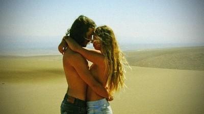 Enamorados en el desierto