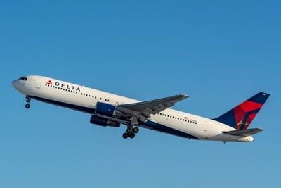 Delta Air Lines Boeing 767-332(N126DL).