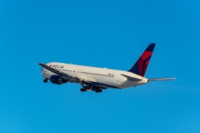Delta Air Lines Boeing 767-332(N129DL).