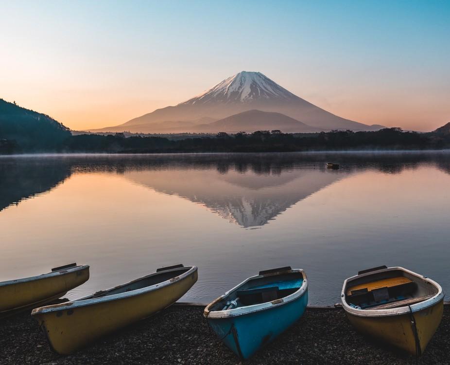 Beautiful reflection of Mount Fuji at spectacular Lake Shoji one early spring morning, Japan.