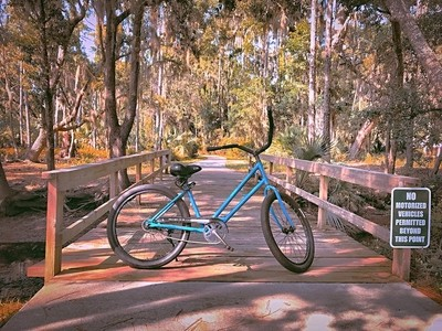 Relaxing bike ride on Jekyll Island