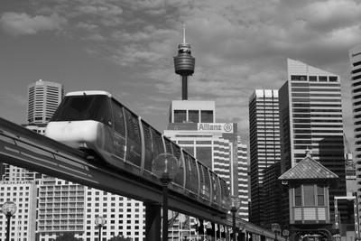 Sydney Monorail on Pyrmont Bridge