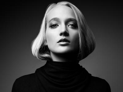 Anna portrait bw