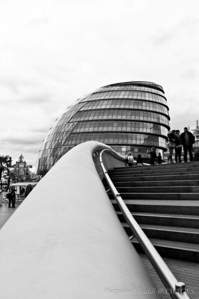 London's City Hall in B&W