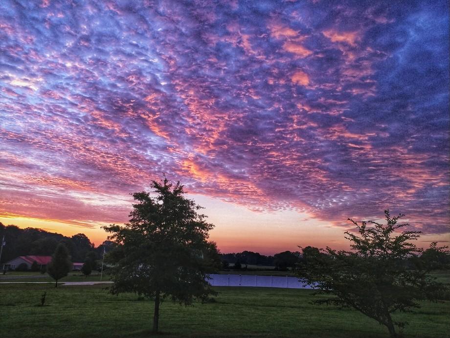 A gorgeous sunrise sky in Paris, TN.