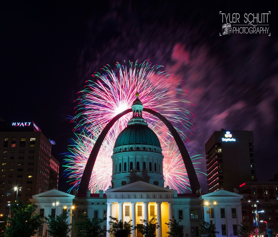 What makes St. Louis great at night is when everyone can get together to watch a great show under...