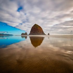 A picture of Cannon Beach (Oregon)