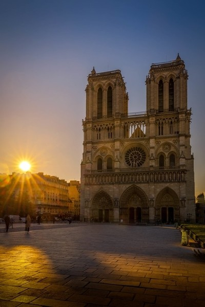 Sunrise on the cathedral Notre Dame of Paris