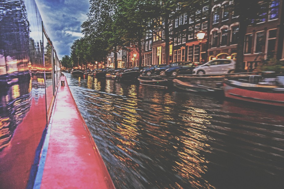 Speed canal Amsterdam