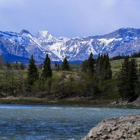 Bow River & Mountains