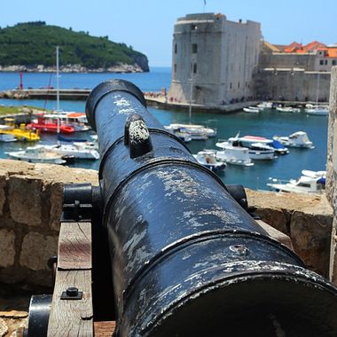 "Canon EF 24-105mm f/4L IS guarding the castle (as in ""Game of Thrones"") in the old town of Dubrovnik!"