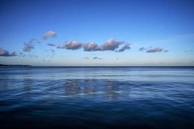 El #mar, #blau i en calma #horablava - the #sea, #blue and in calm #bluehour - la #mer, #bleue et calme #heurebleue - das #Meer, Blau und Ruhig #blauestunde - #havet, #blått och lugnt #blåtimmen - an #fharraige, #gorm agus socair #huairgorm - #Bré #Bray #