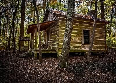 Cabin on Green Mountain hiking trail 2