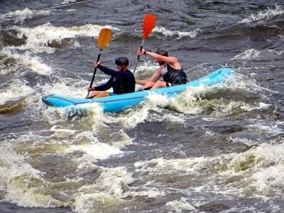 Kinds of Water sports. Inflatable kayak. Losevskiy threshold, Losevo (formerly Kiviniemi). Leningrad region, St. Petersburg. 20x zoom. Photo 16.
