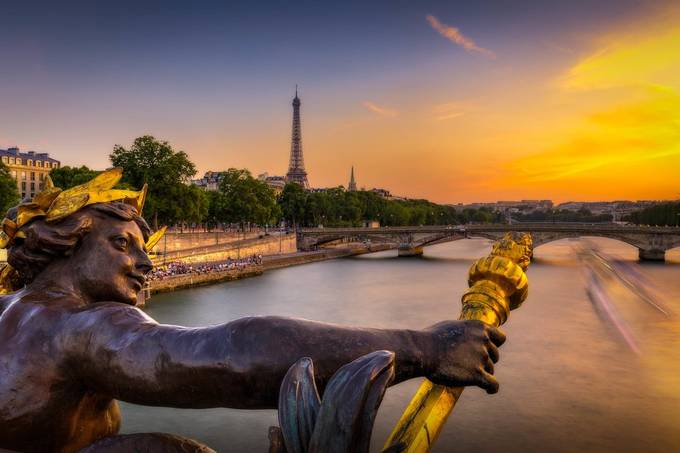 Eiffel Tower view from the Alexandre III bridge by FredericMONIN - Paris Photo Contest